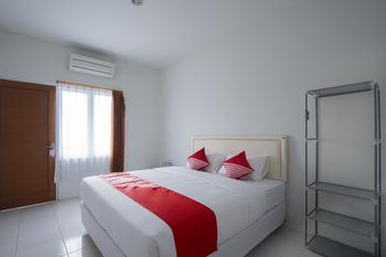 OYO 2189 Rossan Villa 3 Kazanan Bandung - Standard Double Room Regular Plan