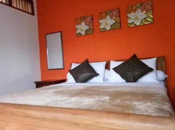 Kembang Guest House Bandung - Kembang Superior Room Kembang Promo