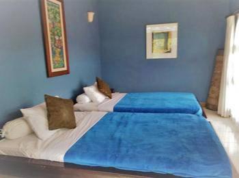 Kembang Guest House Bandung - Kembang Twin Bed Room Kembang Promo