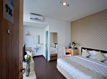 Hotel 88 Grogol - Superior Room With Breakfast Regular Plan