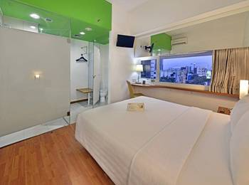 Whiz Hotel Pemuda Semarang - Standard Double Room Only Regular Plan