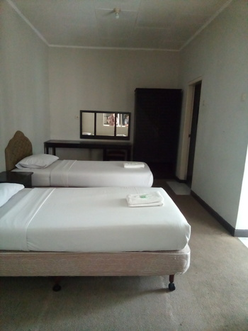 Hotel Taman Piknik by MyHome Hospitality Cianjur - Standard Room Save 10%