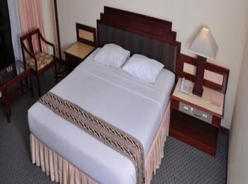 Queen Garden Hotel Purwokerto - Deluxe Room Regular Plan