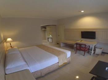 Queen Garden Hotel Banyumas - Deluxe Room Only Regular Plan