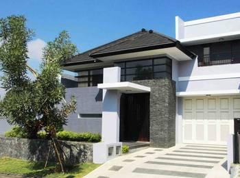 Azy Villa