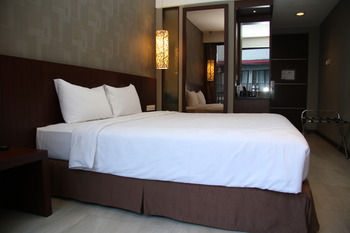 Hotel D'Anaya Bogor - Deluxe Double Bed Room With Breakfast Regular Plan