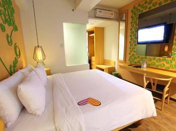 Max One Hotel Legian - Deluxe Room  - Termasuk Sarapan Pegipegi Bali Special Promotion