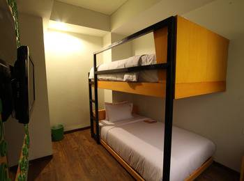 Max One Hotel Legian - Family Room Midnight Sale