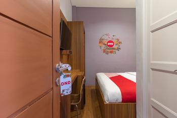 OYO 248 De Natio Guest House Medan - Standard Double Pegi Pegi Special Promotion