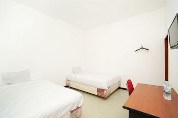 Merapi Inn Syariah Surabaya - Standard Twin Room Regular Plan