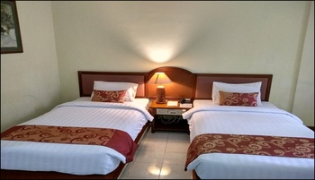 Surya Transera Beach Hotel Pangandaran Pangandaran - Deluxe Twin Bed Room Regular Plan