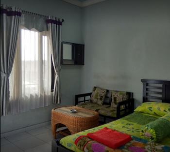 Villa Ana Pasuruan - Standard Room Regular Plan