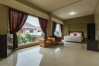 RedDoorz Syariah near Taman Air Mancur Bogor Bogor - RedDoorz Family Room Regular Plan