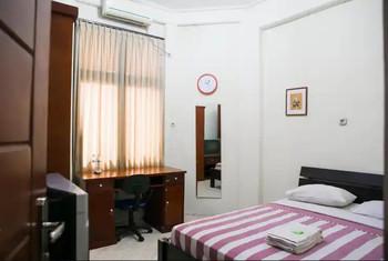 Graha Ara Syariah Homestay Surabaya - Deluxe Room Only Regular Plan