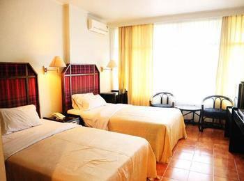 Mesra Alamanda Hotel Samarinda - Standard Twin Bed Room Only Regular Plan