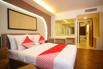 Capital O 166 Hotel Princess Palembang - Suite Family Regular Plan