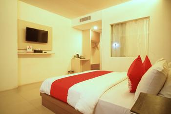 Capital O 166 Hotel Princess Palembang - Suite Double Regular Plan