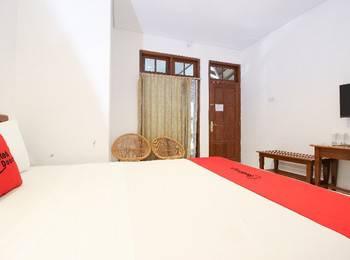 RedDoorz Plus near Alun Alun Selatan 2 Yogyakarta - RedDoorz Room dengan Sarapan Pagi Regular Plan