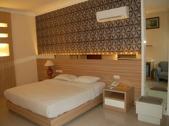Rinjani Hotel Semarang - Deluxe Double Room Regular Plan