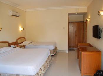 Rinjani Hotel Semarang - Deluxe Twin Room Regular Plan
