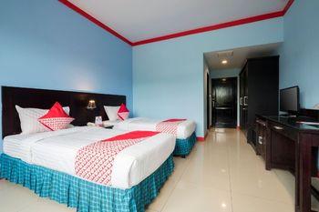 OYO 1633 Hotel Darma Nusantara Maros - Deluxe Twin Room Regular Plan