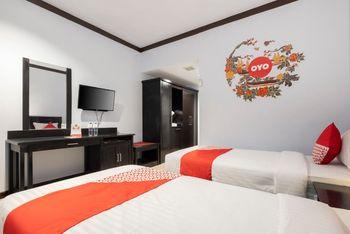 OYO 1633 Hotel Darma Nusantara Maros - Standard Twin Room Regular Plan