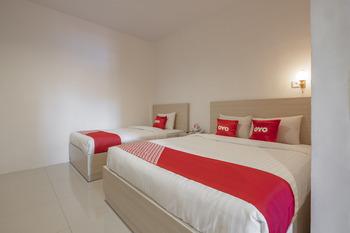 OYO 1633 Hotel Darma Nusantara Maros - Suite Family Room Regular Plan