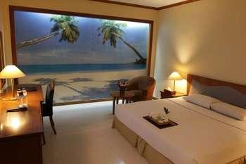Makassar Golden Hotel Makassar - Superior King bed No View Room Only  Regular Plan