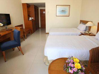 Makassar Golden Hotel Makassar - Deluxe City View Regular Plan