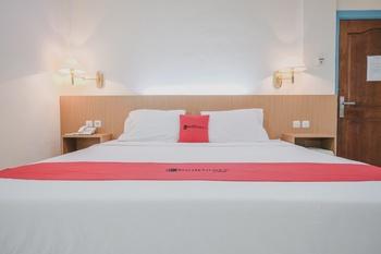 RedDoorz near Transmart Jambi Jambi - RedDoorz Premium Room Regular Plan