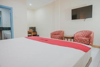RedDoorz near Transmart Jambi Jambi - RedDoorz Room with Breakfast Regular Plan