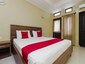 RedDoorz near Taman Samarendah Samarinda - RedDoorz Room Basic Deal