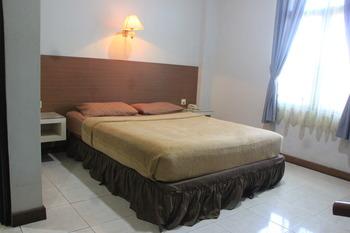Pesona Enasa Merak Hotel Cilegon - Executive Room Regular Plan