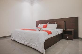 RedDoorz Premium @ Jalan Pal 10 Jambi Jambi - RedDoorz Family Room Last Minute