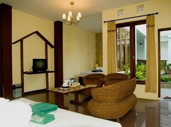 Hotel Gradia 2 Malang - Family 4 Pool View Regular Plan
