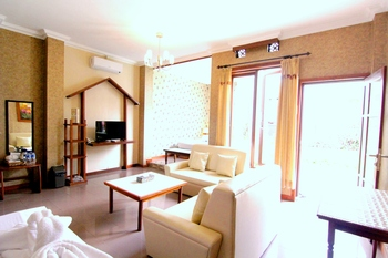 Hotel Gradia 2 Malang - Family 4 Pool View Non Breakfast promotion stay