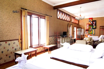 Hotel Gradia 2 Malang - Family 6 Non Breakfast promotion stay