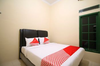 OYO 2304 Guesthouse Nazwa Bandar Lampung - Standard Double Room Regular Plan