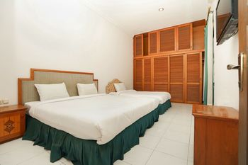 Hotel Istana Permata Juanda Sidoarjo - Deluxe Triple Room Only Regular Plan