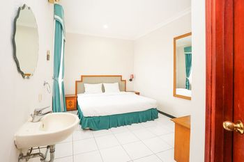 Hotel Istana Permata Juanda Sidoarjo - Standard Double Room Only Regular Plan