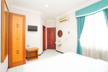 Hotel Istana Permata Juanda Sidoarjo - Deluxe Double Room Only Regular Plan