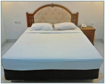 Segiri Hotel Samarinda Samarinda - Deluxe Room Regular Plan