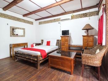 RedDoorz near Rumah Sakit Wirosaban Yogyakarta - RedDoorz Deluxe Room with Breakfast BD