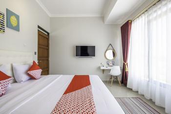 OYO 1504 Alana Gardenia Syariah Garut - Deluxe Double Room Regular Plan