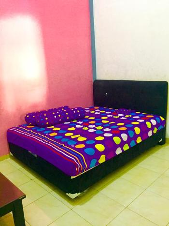Homestay Badak Makassar - Standard Double Room FC-3D Last Minute Deal 15%