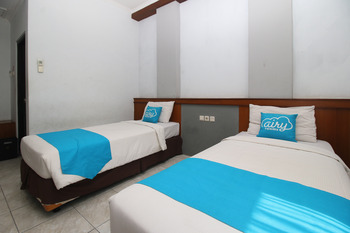 Airy Caturtunggal Colombo Yogyakarta Yogyakarta - Superior Twin Room with Breakfast Special Promo Sep 33