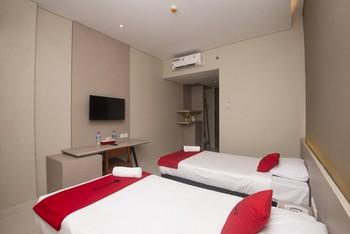 Sleepszzz Hotel Jakarta - Twin Room Regular Plan