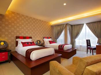 Lion Hotel & Plaza Manado - Deluxe Double City View With Breakfast Regular Plan