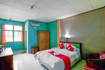 OYO 3435 Hotel Matahari 2 Syariah Jambi - Deluxe Double Room Last Minute Deal