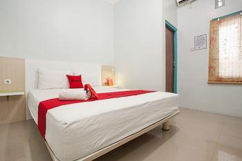 RedDoorz @ Kartohardjo Madiun Madiun - RedDoorz Room Gajian